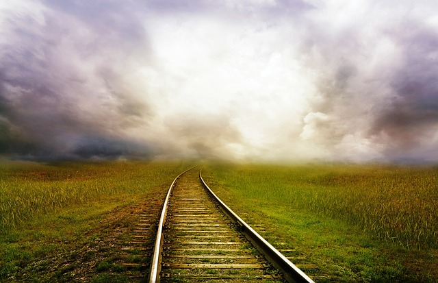 mlha nad železnicí